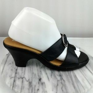 Clarks Womens Size 8.5 Black Wedge Sandals